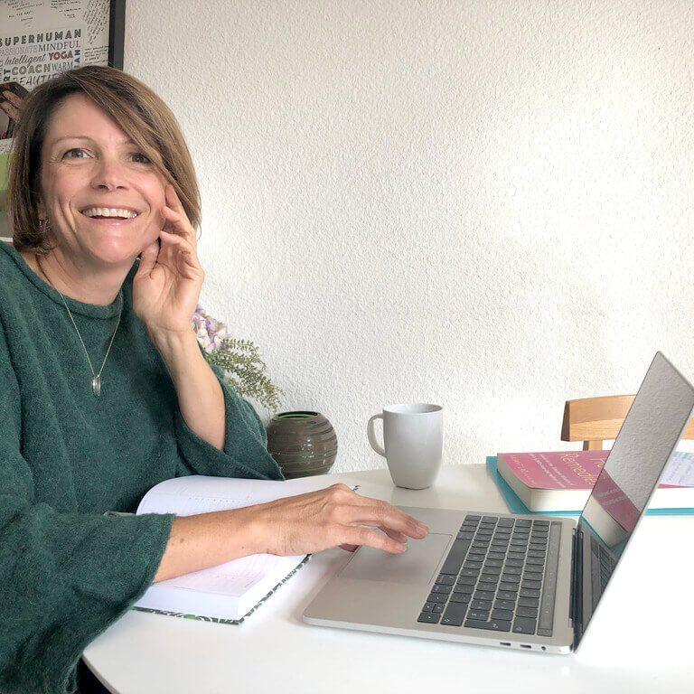 Simone Kaufmann life coach - yoga teacher - Ayurvedic consultant